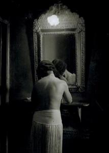 Toilette Chez Suzy, 1932, Brassai
