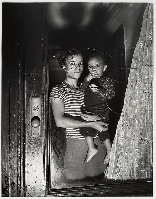 Weegee-Mother and Child in Harlem 1939